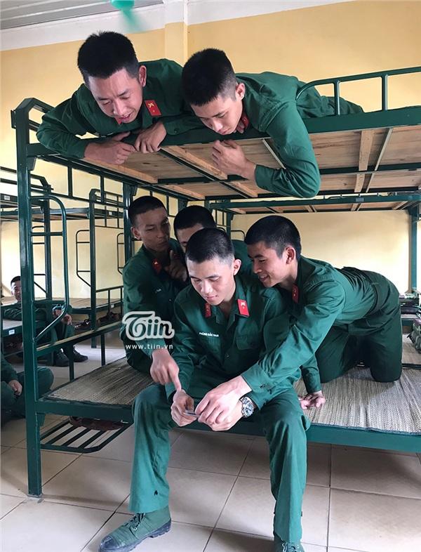 Tình đồng đội trong quân ngũ