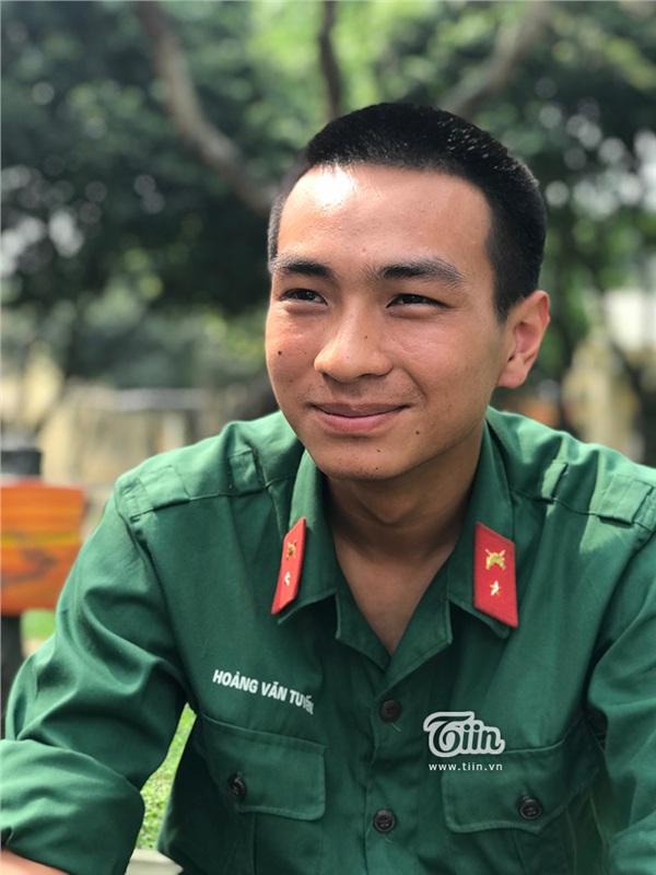 Tân binh Hoàng Văn Tuyến