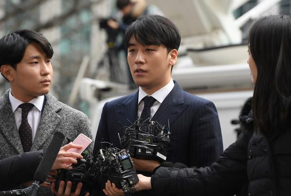 Cảnh sát tìm ra bằng chứng cho thấy Seungri chính là 'ông mối quan hệ tình dục' đứng sau hàng loạt buổi tiệc thác loạn 1