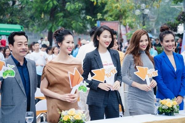 MC Sơn Lâm, Công Lý cùng dàn chân dài kêu gọi bảo vệ môi trường với show diễn thời trang tái chế 15