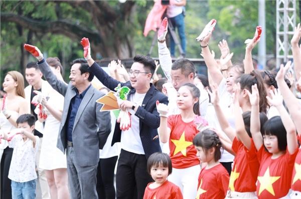 Chương trình quy tụ gần 2.000 đoàn viên, thanh thiếu nhi, người dân trên địa bàn Hà Nội. Tại đây, các bạn trẻ đã được giao lưu và truyền cảm hứng bởi những hành trình đặc biệt của những con người đặc biệt trong việc bảo vệ môi trường.
