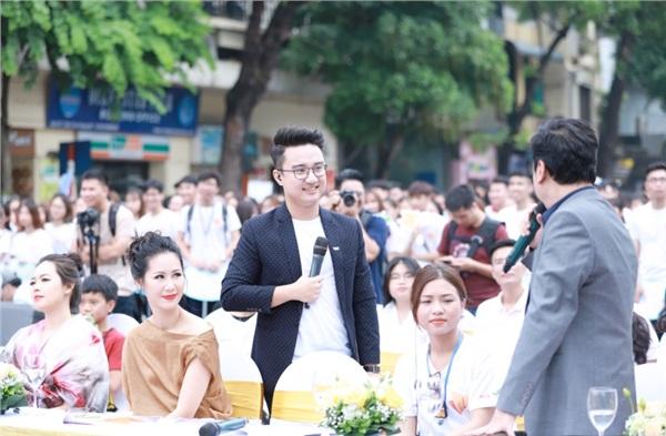 MC Sơn Lâm, Công Lý cùng dàn chân dài kêu gọi bảo vệ môi trường với show diễn thời trang tái chế 4