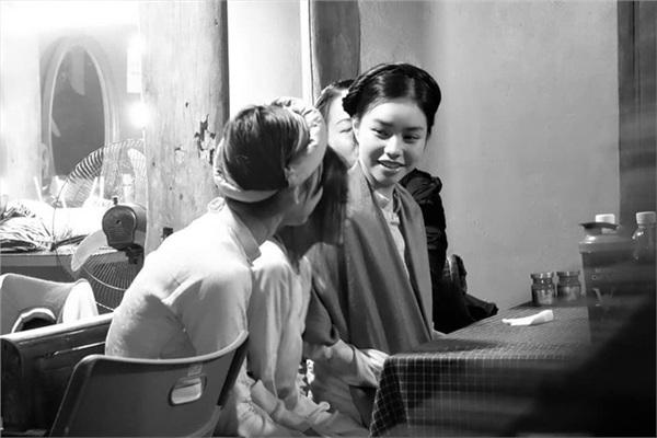 Nữ diễn viên đang gây chú ý vì 13 tuổi đã đóng cảnh nóng là ai? 4