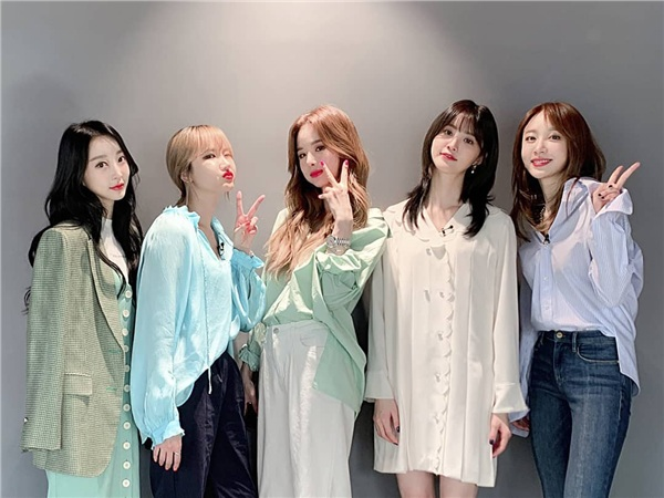 Trùng hợp khó tin: Winner - EXID comeback cùng ngày, cả tên album và ti tỉ thứ khác cũng giống nhau! 1
