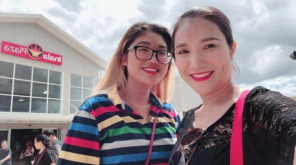 Chân dung cô con gái đang du học tại Úc của nữ MC Cát Tường 9