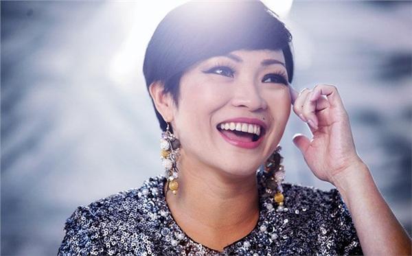 Phương Thanh làm thơ lầy lội trên facebook.