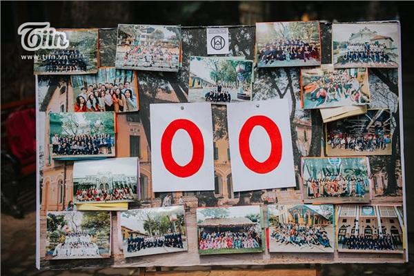 Trong khi đó, các bạn teen Chu Văn An chọn cách lưu giữ khoảnh khắc bằng những thước ảnh ghi lại kỷ niệm suốt 3 năm cấp 3.