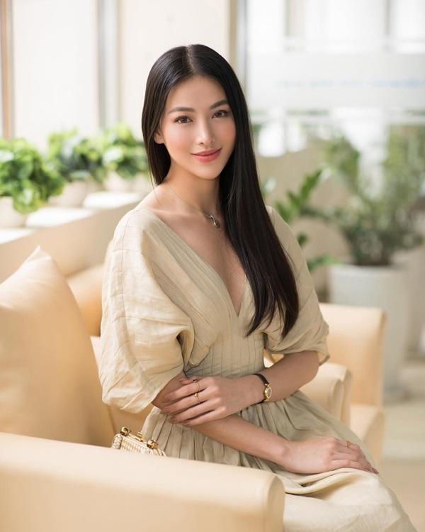 So kè độ nóng bỏng 'một chín một mười' khi diện bikinicủa Á hậu Mâu Thủy và Hoa hậu Trái đất Phương Khánh 3