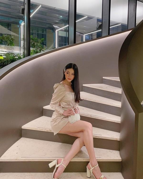 So kè độ nóng bỏng 'một chín một mười' khi diện bikinicủa Á hậu Mâu Thủy và Hoa hậu Trái đất Phương Khánh 20