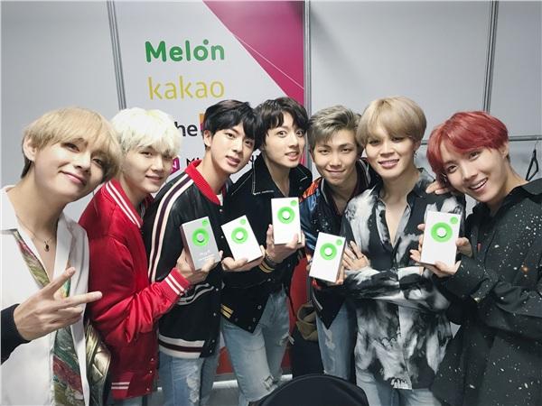 Top 10 bài hát 'đóng chiếm' Melon lâu nhất: BTS áp đảo 3 hits, Black Pink vẫn thua TWICE một bậc 0