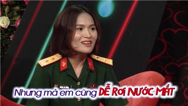 Trung úy Hoàng Thị Tưởng ngượng ngùng và khiêm tốn khi nói về mình.