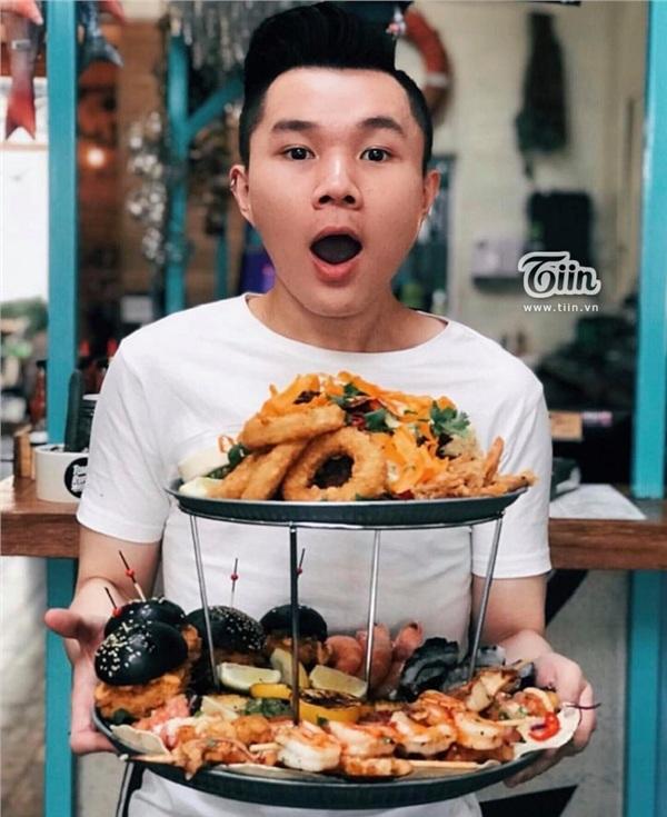 Mỗi bài đăng 'reiview' đồ ăn của Ray Pham đều thu hút hàng nghìn lượt tương tác trên instagram
