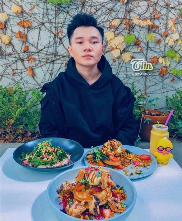 Chàng du học sinh 9X 'cuộc đời nở hoa', trở thành hot food bloggers sau khi giảm cân vì bị miệt thị do béo 8