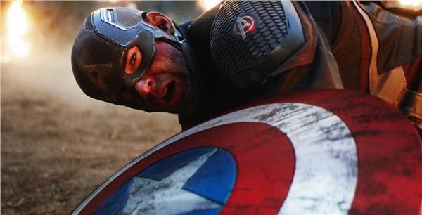 Bí mật hậu trường 'Avengers: Endgame' (Phần 1): Hulk có 5 cái kết, Sebastian Stan tưởng Iron Man và Black Widow kết hôn 2