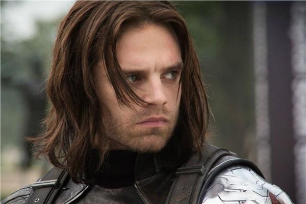 Ai mà ngờ được ngoài đời 'Winter Soldier' lại dễ lừa gạt đến thế!