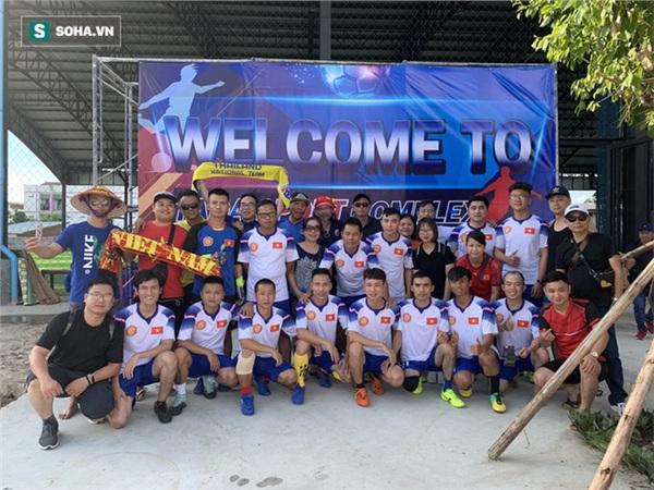 Hình ảnh giao lưu bóng đá chiều ngày 6/6 giữa hai Hội CĐV VFS Việt Nam và Thái Lan. Ảnh: Thái Hải.