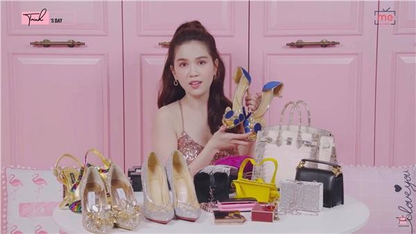 Đôi giày cô chưa diện lần nào và hứa hẹn sẽ nhờ thiết kế trang phục riêng để đeo nó