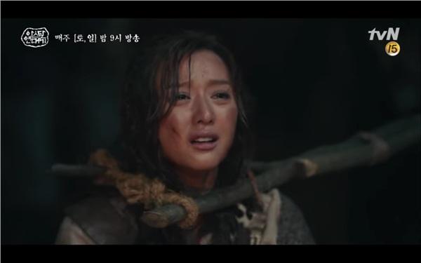 'Arthdal Chronicles' tập 4: Không phải Song Joong Ki, Kim Ji Won mới là người đầu tiên có màn đối đầu gay gắt với Jang Dong Gun 4