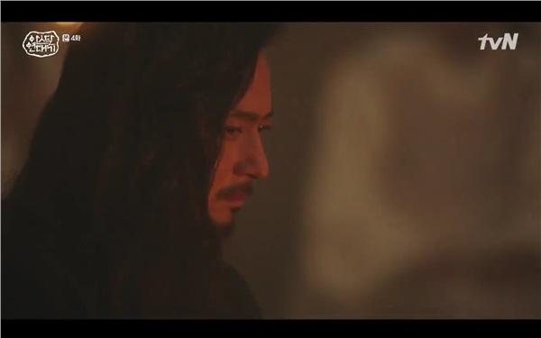 'Arthdal Chronicles' tập 4: Không phải Song Joong Ki, Kim Ji Won mới là người đầu tiên có màn đối đầu gay gắt với Jang Dong Gun 16