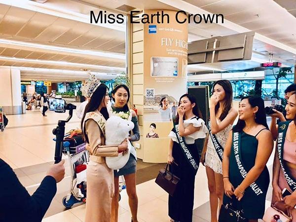 Hoa hậu Phương Khánh lên đường chấm thi Miss Earth Singapore 2019 1