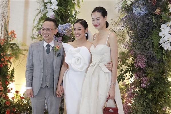 Người mẫu Thanh Trúc cũng có mặt để chung vui với vợ chồng MC Phí Linh