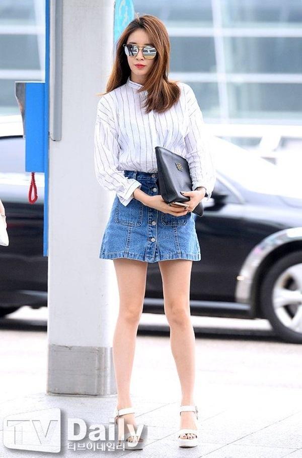4 công thức thời trang sân bay được sao Hàn 'xào đi xào lại'là gợi ý hay ho cho nàng mix đồ ngày hè 4