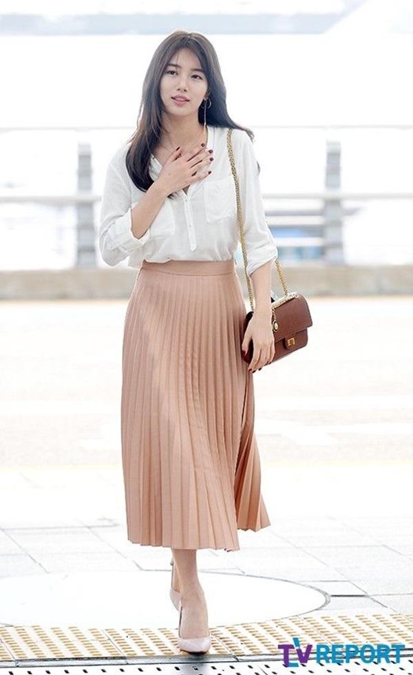 Chân váy midi xếp ly nhẹ nhàng, thanh lịch dành cho bạn gái công sở, cả đi học hay đi chơi đều diện được