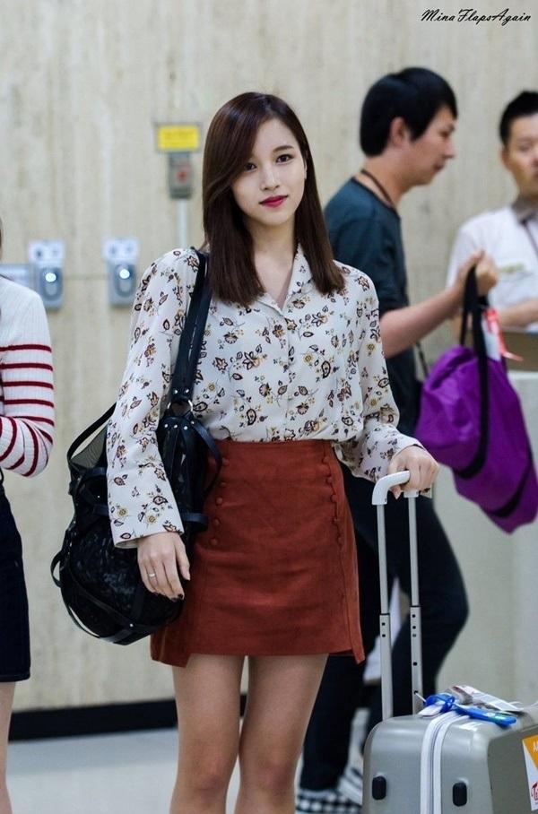 4 công thức thời trang sân bay được sao Hàn 'xào đi xào lại'là gợi ý hay ho cho nàng mix đồ ngày hè 8