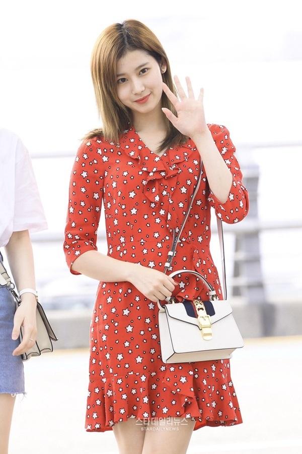4 công thức thời trang sân bay được sao Hàn 'xào đi xào lại'là gợi ý hay ho cho nàng mix đồ ngày hè 16