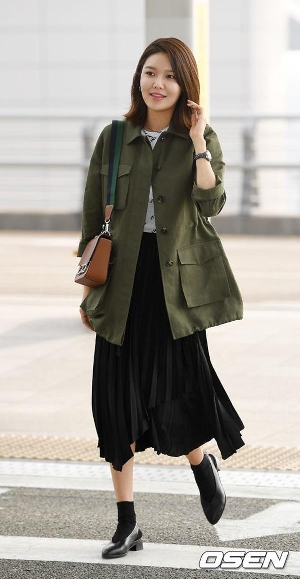 4 công thức thời trang sân bay được sao Hàn 'xào đi xào lại'là gợi ý hay ho cho nàng mix đồ ngày hè 9