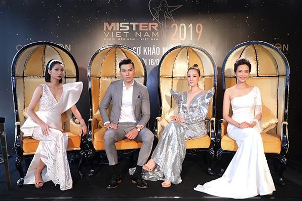 Phản ứng của Hoa hậu Thu Thủy khi nhìn thấydàn nam thần 6 múi tại cuộc thi Mister Vietnam 2019 7