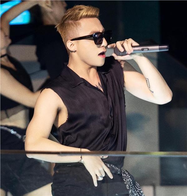 Sơn Tùng nhắn tin cho hàng loạt fans 'Hãy trao cho anh', thông báo bài hát mới hay có người mạo danh? 3