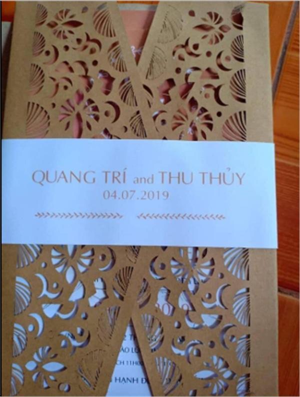 Rò rỉ thiệp cưới của Thu Thủy, cư dân mạng xôn xao thông tin nữ ca sĩ cưới chạy bầu 0