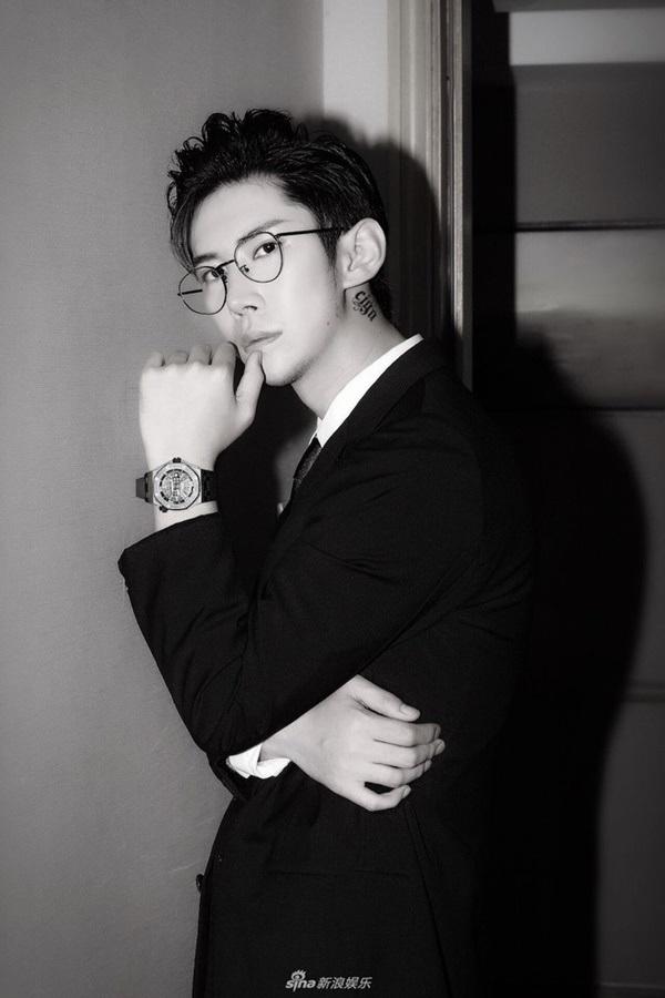 Tổng tài trong truyền thuyết đã xuất hiện rồi: 24 tuổi, đẹp trai như tài tử, sở hữu thương hiệu trang sứcnổi tiếng thế giới 0