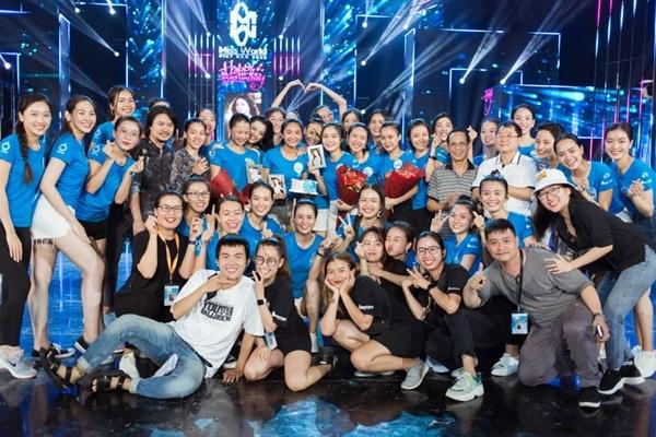 Chung khảo Miss World Việt Nam 2019 KV phía Nam: Dàn thí sinh bị chê catwalk cứng đờ, nhan sắc kém nổi bật 8