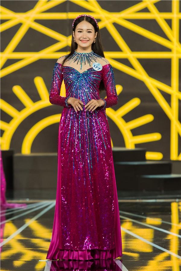 Chung khảo Miss World Việt Nam 2019 KV phía Nam: Dàn thí sinh bị chê catwalk cứng đờ, nhan sắc kém nổi bật 3