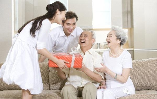 Bạn có đủ 'khôn khéo' khiến cha mẹ chồng tương lai yêu thương mình vô điều kiện không? 2