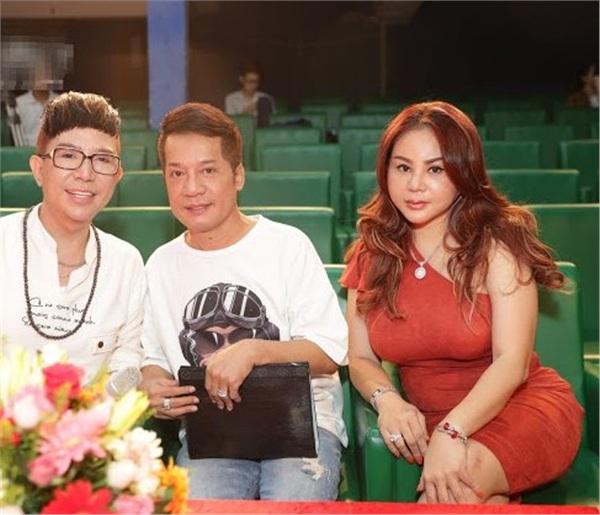 Cư dân mạng bàng hoàng vì diễn viên Lê Giang lộ gương mặt 'đập đi xây lại' quá khác lạ 5