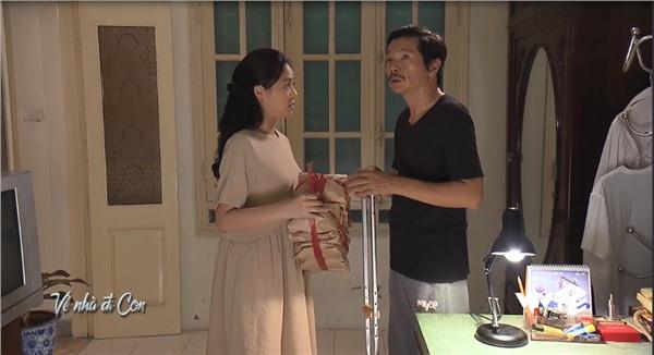 'Về nhà đi con': Không phải chiều cao 2 mét, đây là 2 điều khiến ông Sơn lo nhất khi nghe tin Dương có người yêu 0