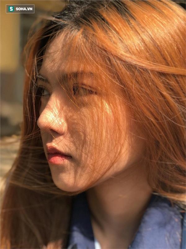 Bức ảnh góc nghiêng cho thấy chiếc mũi cực đẹp của Hồng Khanh.
