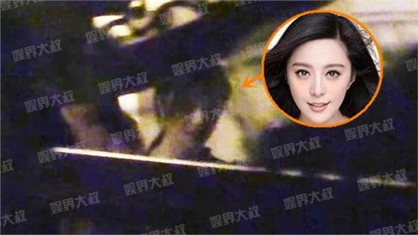 Hình ảnh nữ diễn viên trong buổi tối hôm đó.