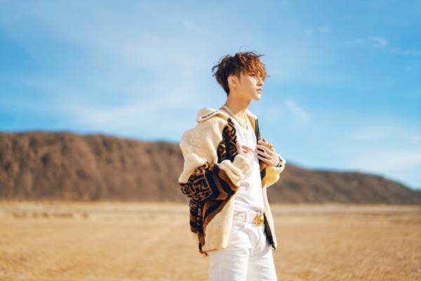 Hóa ra stylist của Sơn Tùng trong MV 'Hãy trao cho anh' đã từng là 'phù thủy' cho IZ*ONE 3