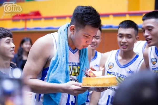 Đánh bại Thang Long Warriors, Hochiminh City Wings mở tiệc sinh nhật ngay trên đất khách 4