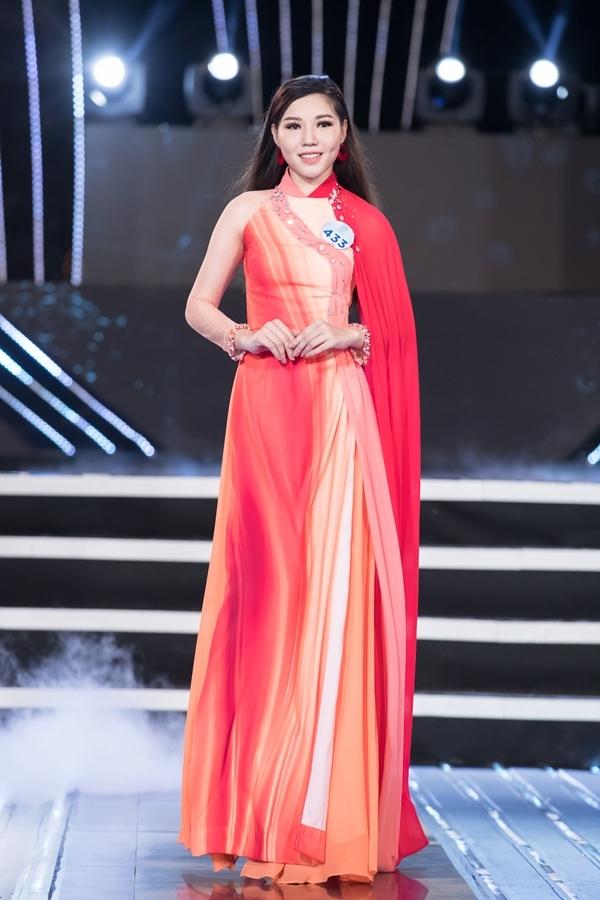 Dàn thí sinh Miss World Việt Nam khu vực phía Bắc khoe nhan sắc nổi bật trong phần thi áo dài 4
