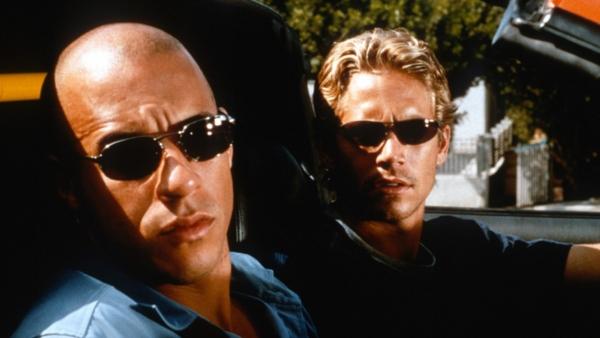 Dom và Brian đua xe kịch tính lúc mới quen