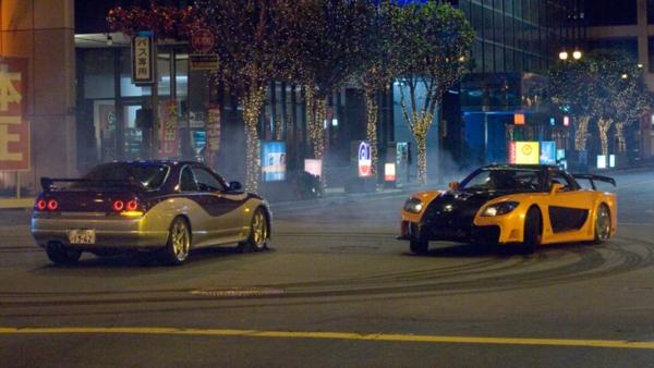 Nhìn lại hành trình 18 năm của series phim hành động tốc độ 'Fast & Furious' 2