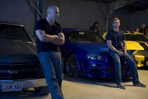 Nhìn lại hành trình 18 năm của series phim hành động tốc độ 'Fast & Furious' 3