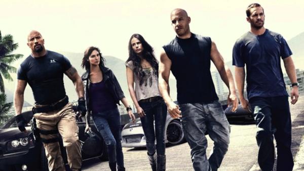 Nhìn lại hành trình 18 năm của series phim hành động tốc độ 'Fast & Furious' 4