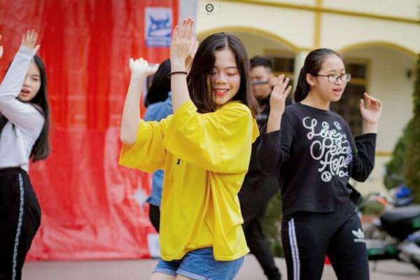 Nữ sinh Nghệ An đạt thủ khoa khối C toàn quốc: Xinh đẹp và nhiều tài lẻ 5