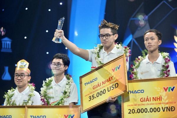 Nguyễn Hoàng Cường xuất sắc trở thành nhà vô địch trong đêm chung kết Đường lên đỉnh Olympia năm thứ 18.